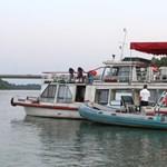 Kiszabadult a Dunán zátonyra futott hajó