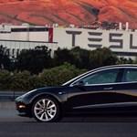 Kimászott a bajból a Tesla? Fontos rekordot döntött meg a cég