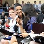 Trükkös hallgatói szerződések: rosszul járnak a tanulás mellett dolgozó diákok