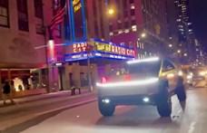 New Yorkban feltűnősködött a Cybertuckkal Elon Musk – videó