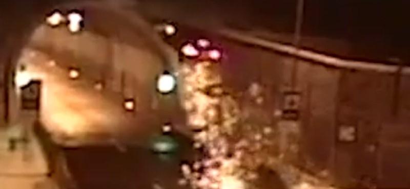 Filmeken látni olyan brutális balesetet, mint ez a szlovákiai – videó