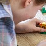 Kipróbál valamit a Lego: Braille-leírást és hangos építési útmutatót ad a készlet mellé