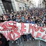 Megszorítások ellen tüntettek olasz diákok és tanárok