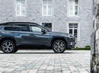 Kiderült a legdrágább Suzuki alapjának, a Toyota RAV4 PHEV-nek a hazai ára