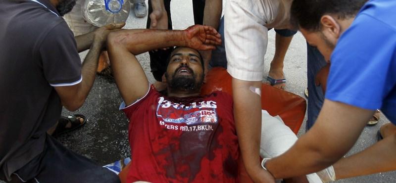 Tripoli: a kórházba szállítás közben öltek meg embereket