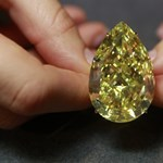 Fotó: 12 millió dollárt adtak a gigantikus sárga gyémántért
