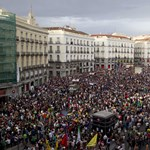 A spanyolok is menekítik a bankokból a pénzt