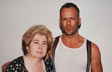 Egy belga turkálóban találtak egy fotóalbumot, benne Bruce Willis, Johnny Depp és egy ismeretlen nő
