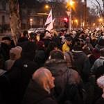 Fotók: Puzsér is tüntetett a lengyel követségnél