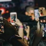 Váratlan fordulat: több okostelefont veszünk, mint korábban