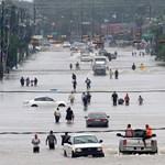 Rendőrruhában fosztogatnak Houstonban a hurrikán nyomában