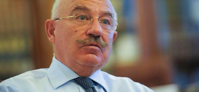 Jobbik: a Fidesz Martonyit akarná Schmitt Pál helyén látni