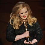 Új dalt mutatott be Adele?