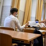 Több tízezer végzőst foglalkoztat a kérdés: mi lesz a 2021-es érettségivel?