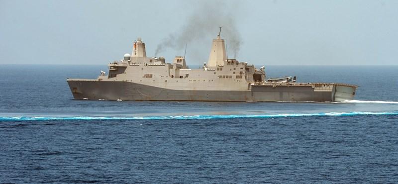Hatalmas amerikai hadihajó kötött ki Splitben