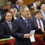 Tájékoztatást kér Pintér Sándortól a TMRSZ