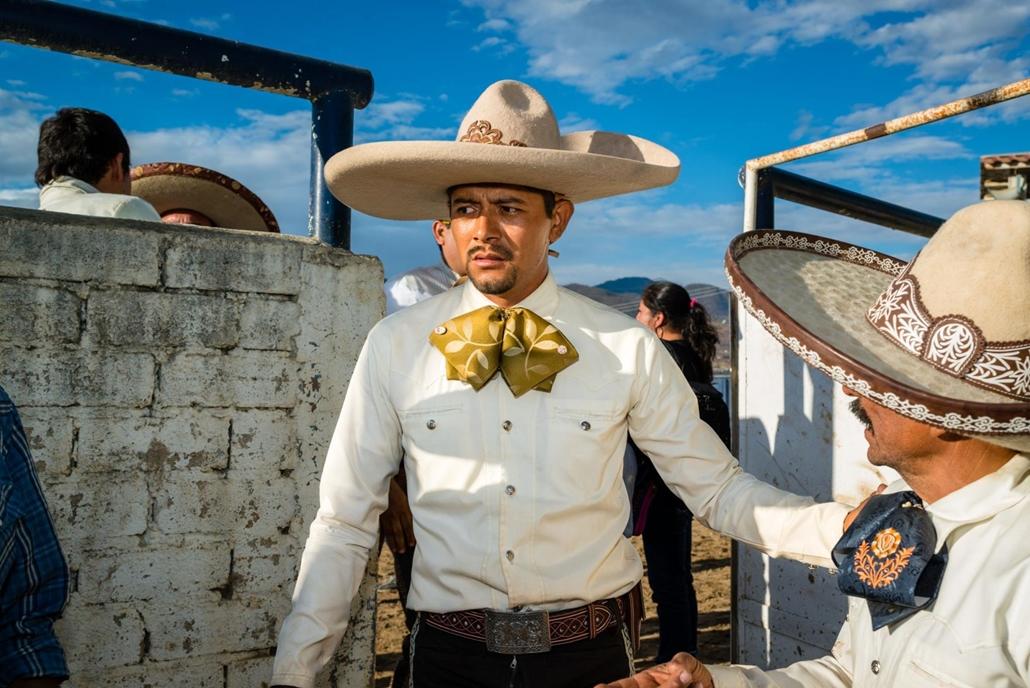 NE HASZNÁLD  Budapest International Foto Awards Rendezvény kategória II helyezett Mexikói lovasok