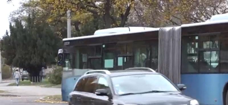 Sokkot kapott két kisgyerek, amikor szüleik ki akartak rabolni valakit Pécsen