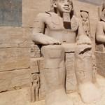 Kicsempészett ókori kincseket kapott vissza Egyiptom