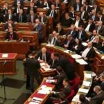 Kövér még nem sújtott le az ellenzéki képviselőkre
