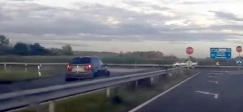 Ki tudja, hol hajthatott fel szemből az M1-esre ez a Suzuki – videó
