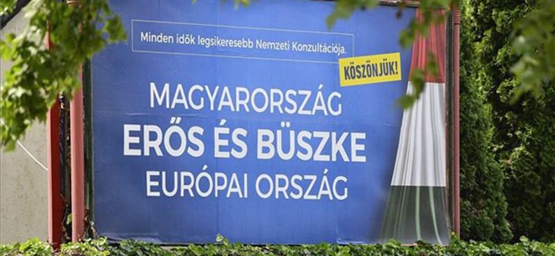 """""""99 százalékos egyetértés"""" miatt jönnek a kormány újabb plakátjai"""