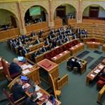 135 millió forint az, hogy az MSZP és a Párbeszéd külön frakciót alakít