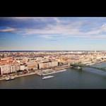 Bámulatos timelapse utazás Budapest felett (videó)