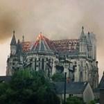 Videó: Lángokban állt a nantes-i székesegyház