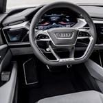 Minimum három képernyő lesz hamarosan az Audikban