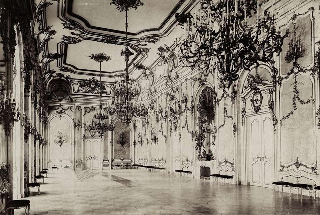 fortep_! - Klösz György kastély nagyítás - A Budai Várpalota egykori díszterme. A felvétel 1895-1899 között készült.