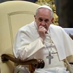 A pokolhoz hasonlította a menekülttáborokat Ferenc pápa