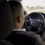 Videó: A német közlekedési miniszter már önállóan közlekedő Audival jár