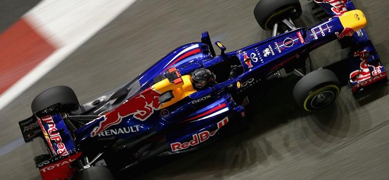 Nincs változás: Vettel utolérhetetlennek tűnik Szingapúrban