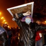 Ezrek tüntettek a georgiai fővárosban az elnökválasztások eredménye ellen