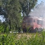 Kigyulladt egy mozdony Balatonkenesén – fotók