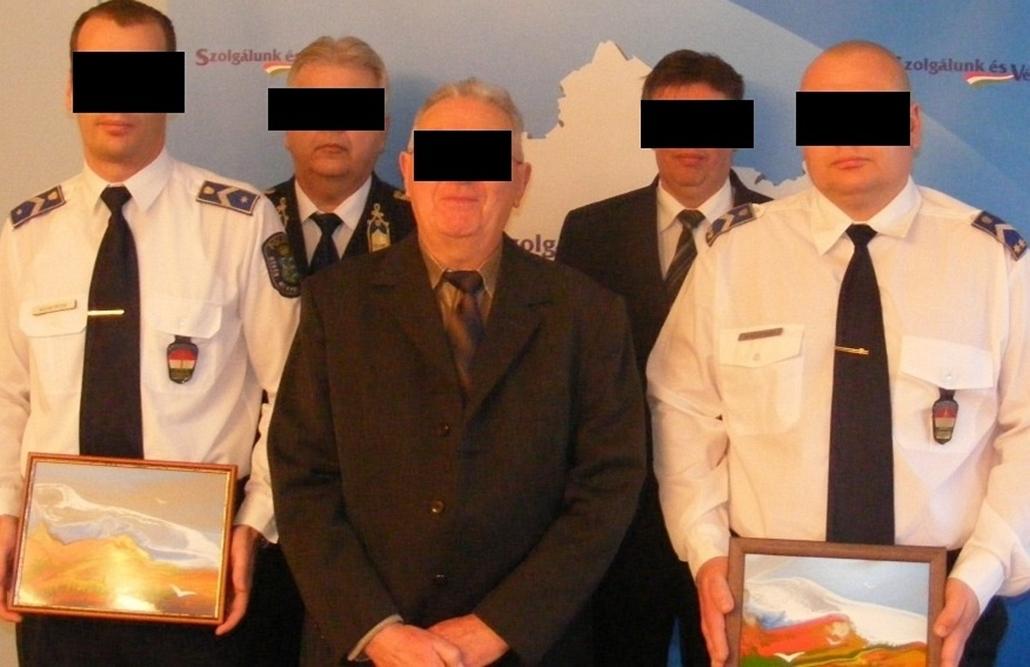 20140516006 - rendőr, festmény, ORFK, jutalomátadás