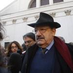 """Umberto Eco is részt vesz az EU """"emberközelivé"""" tételében"""