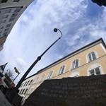 Szeretettel Bécsből: Rendőröket helyeznének el Hitler szülőházában, de ez sokaknak nem tetszik