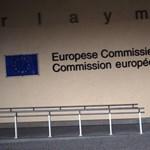 Az unió új hajója: összeláncolt mentőöv és kormánykerék