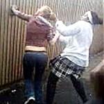 Brutálisan megverték osztálytársai a 13 éves diáklányt - videóval